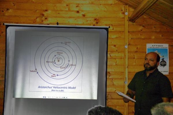 Ο Δ. Στουραίτης κατά τη διάρκεια της ομιλίας του
