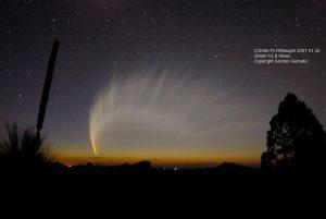 Εικόνα του κομήτη P1 McNaught από τον Gordon Garradd (20/1/2007).